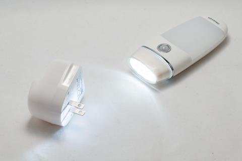 Omaker 1台2役人感センサーLEDライト
